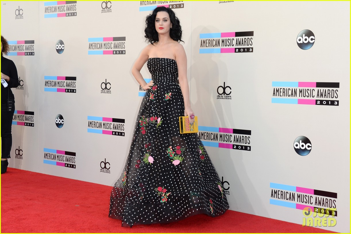 katy perry amas 2013 red carpet 072999203