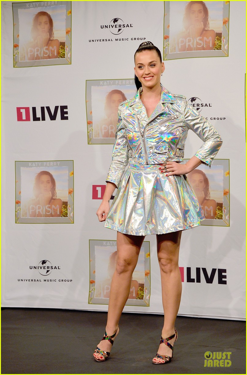 katy perry set to open american music awards 032993557