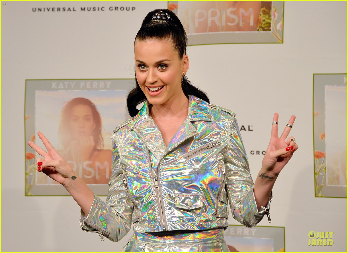 katy perry set to open american music awards 17