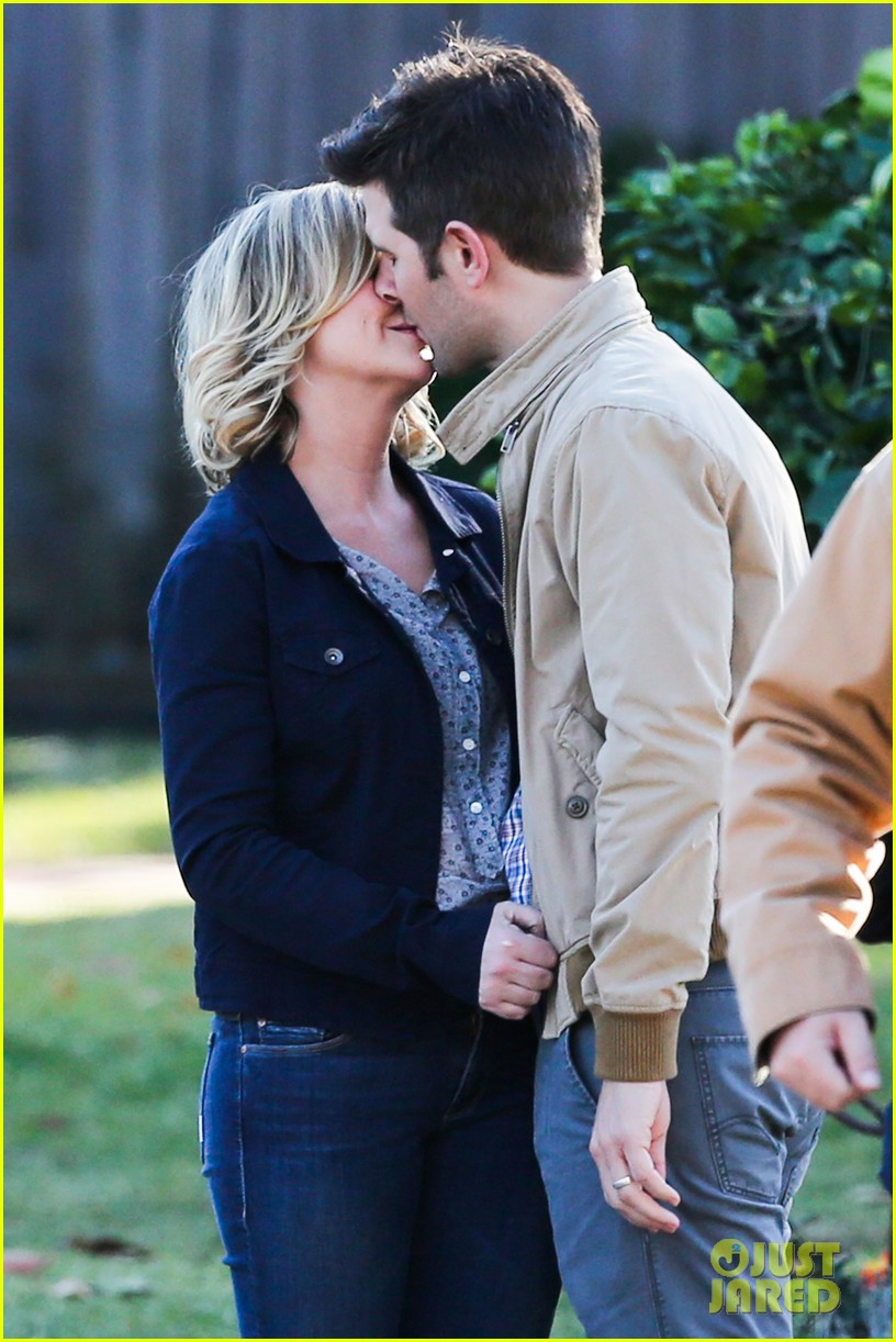 amy poehler adam scott kiss for parks recreation 07