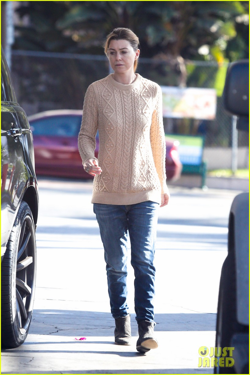 ellen pompeo cheers on the clippers with chris ivery 062995080