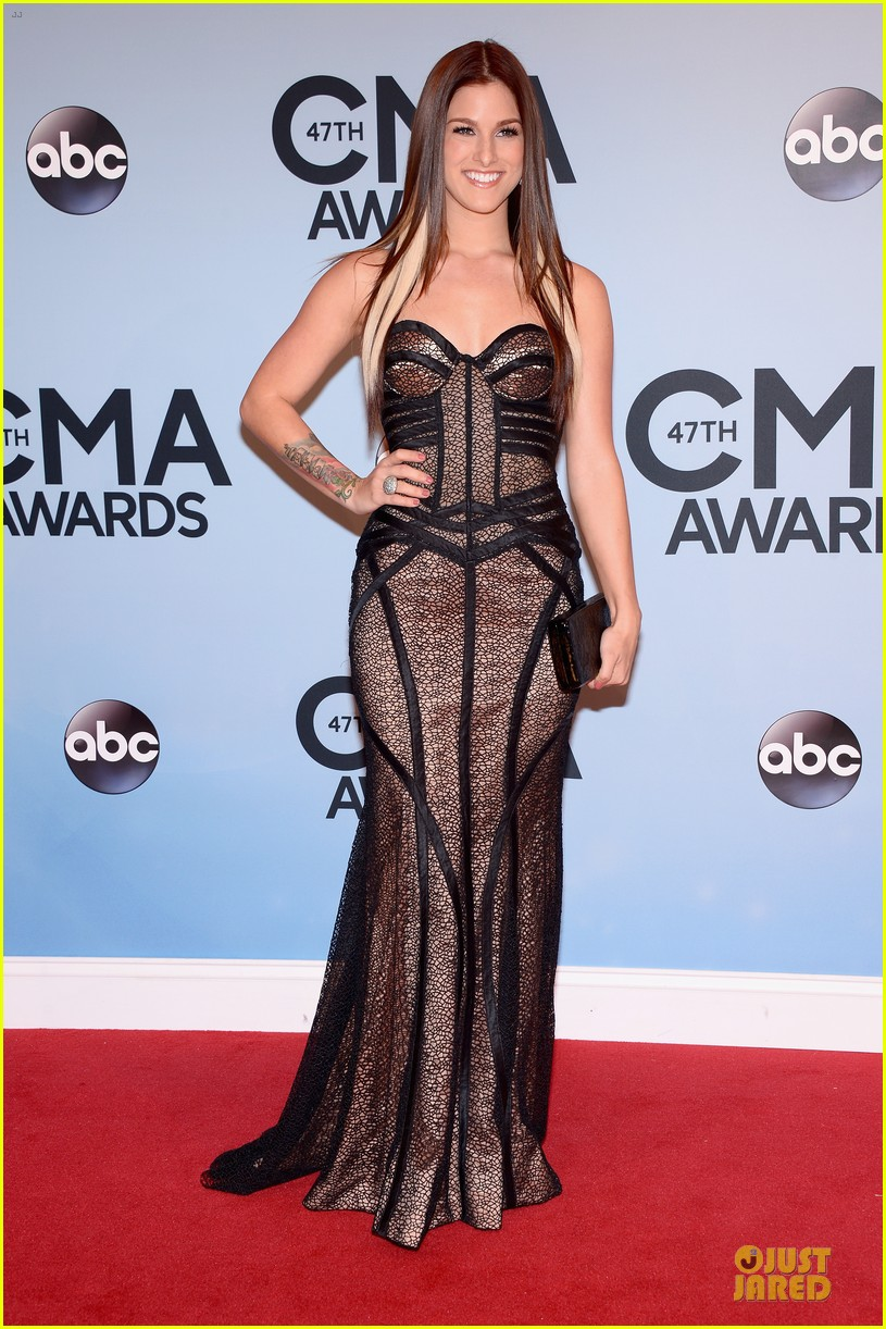cassadee pope danielle bradbery cma awards 2013 red carpet 06