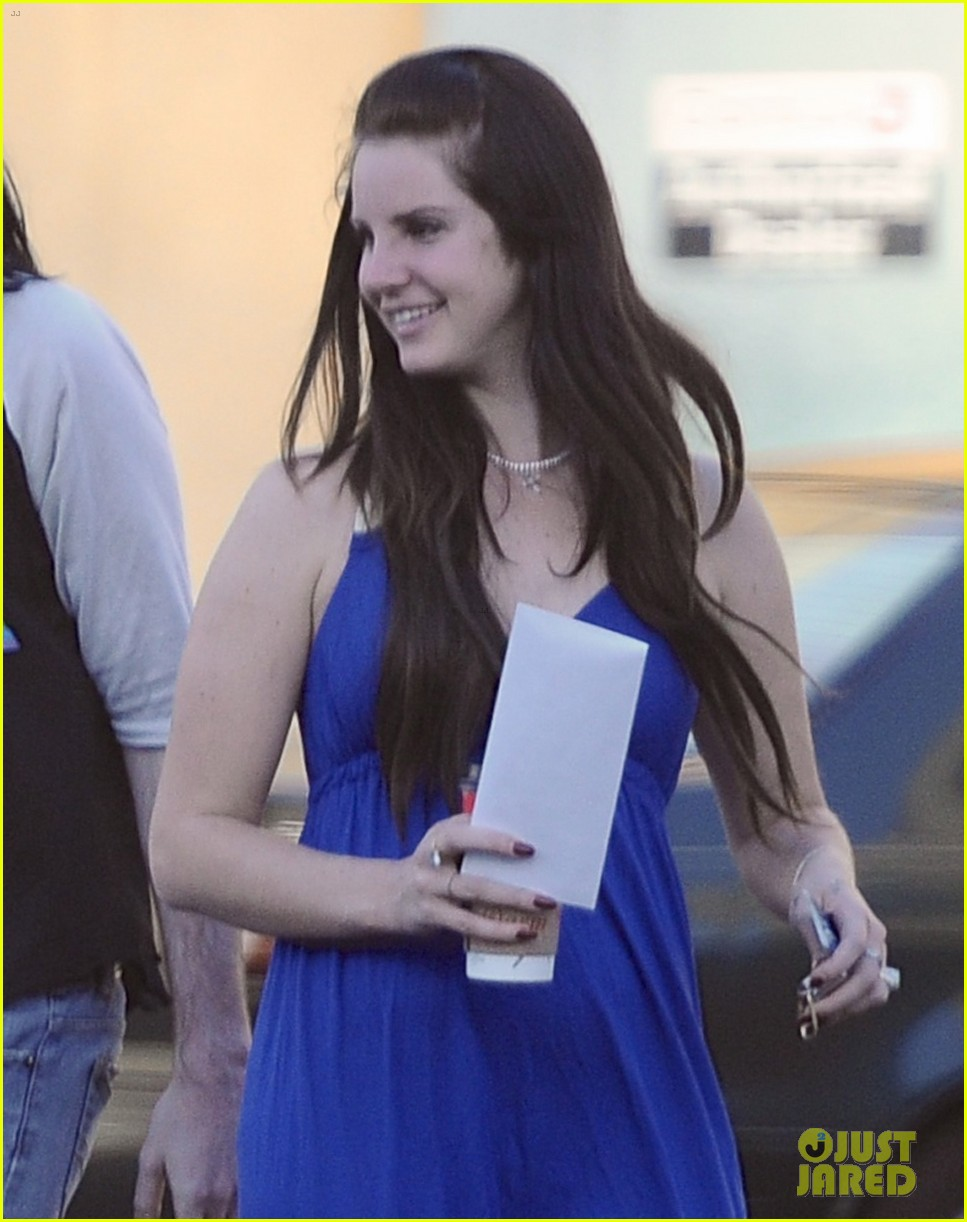 lana del rey barrie james oneil affectionate shopping trip 023001063