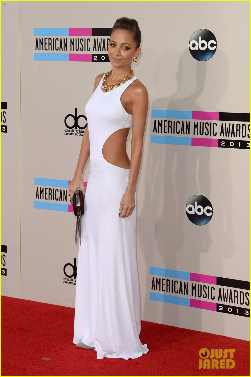 nicole richie heidi klum amas 2013 red carpet 01