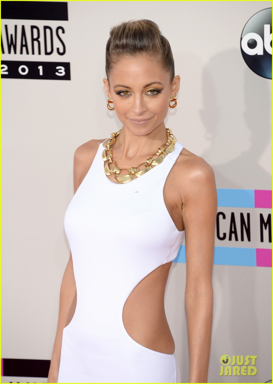nicole richie heidi klum amas 2013 red carpet 24