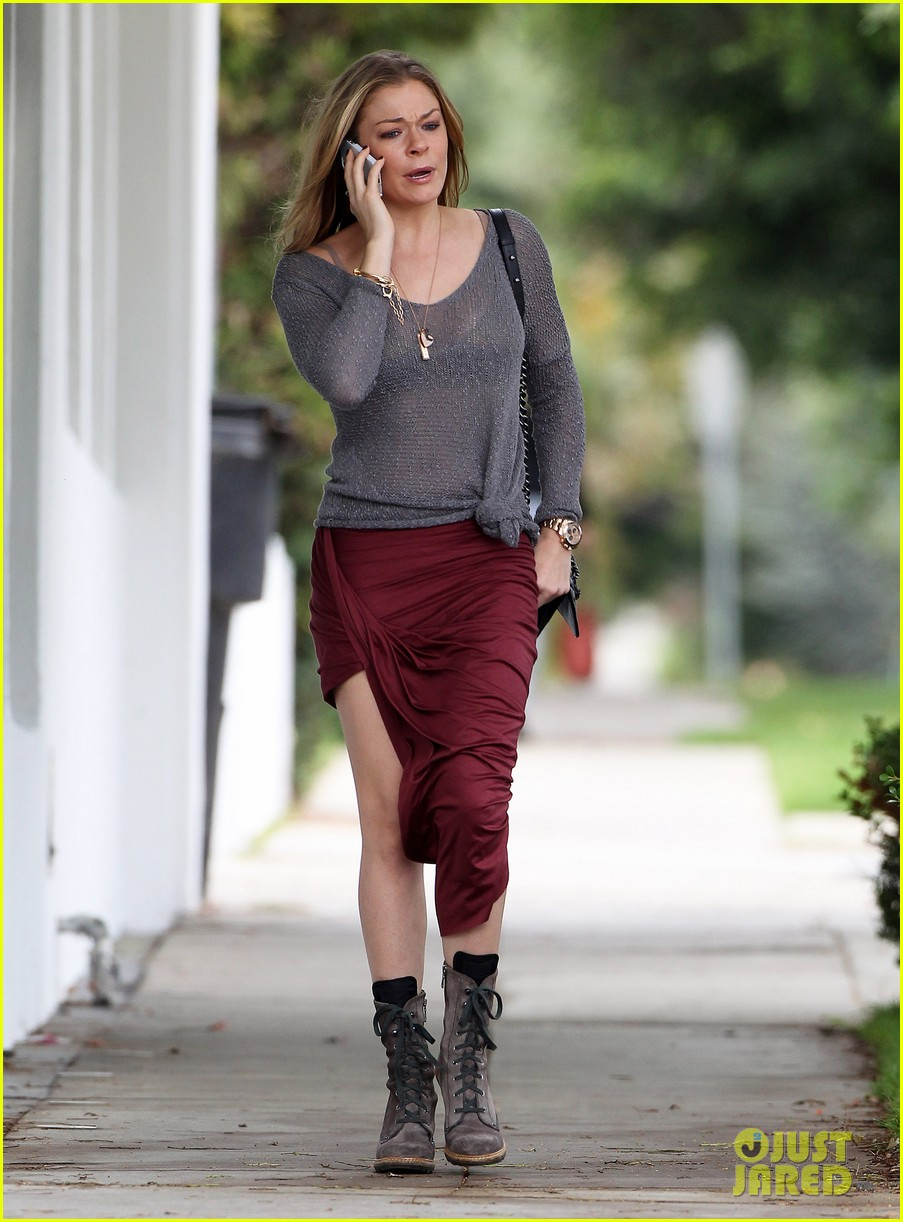 leann rimes spends day catching up on real life 152997264