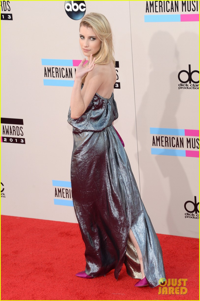 emma roberts amas 2013 red carpet 052999286