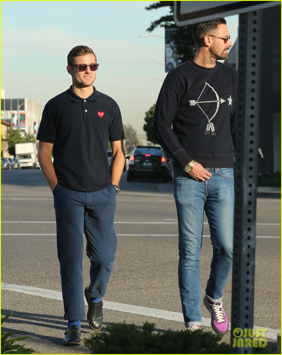 robbie rogers pics up suit before thanksgiving 03