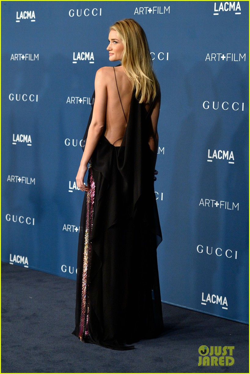 rosie huntington whiteley jeremy renner lacma gala 2013 112985445