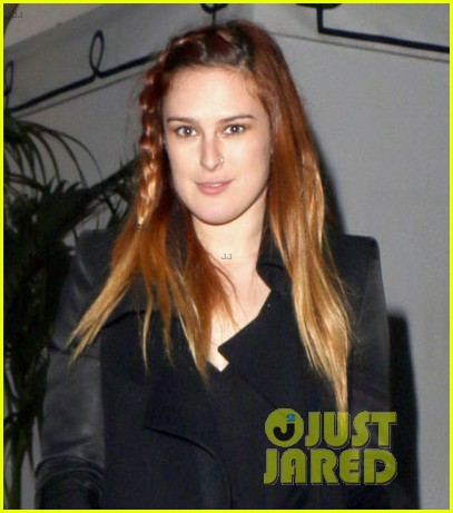 rumer willis steps out after hawaii five 0 appearance 02
