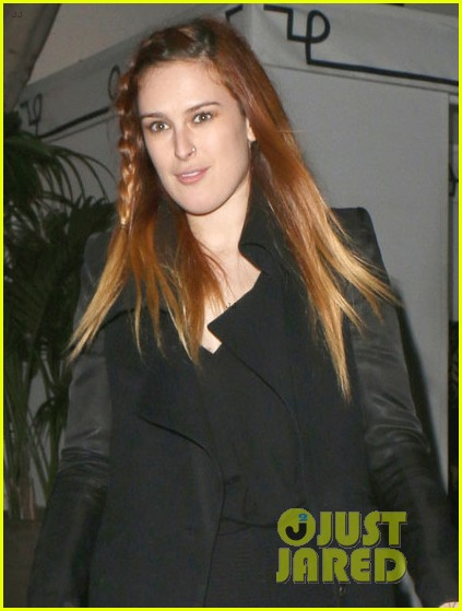 rumer willis steps out after hawaii five 0 appearance 04