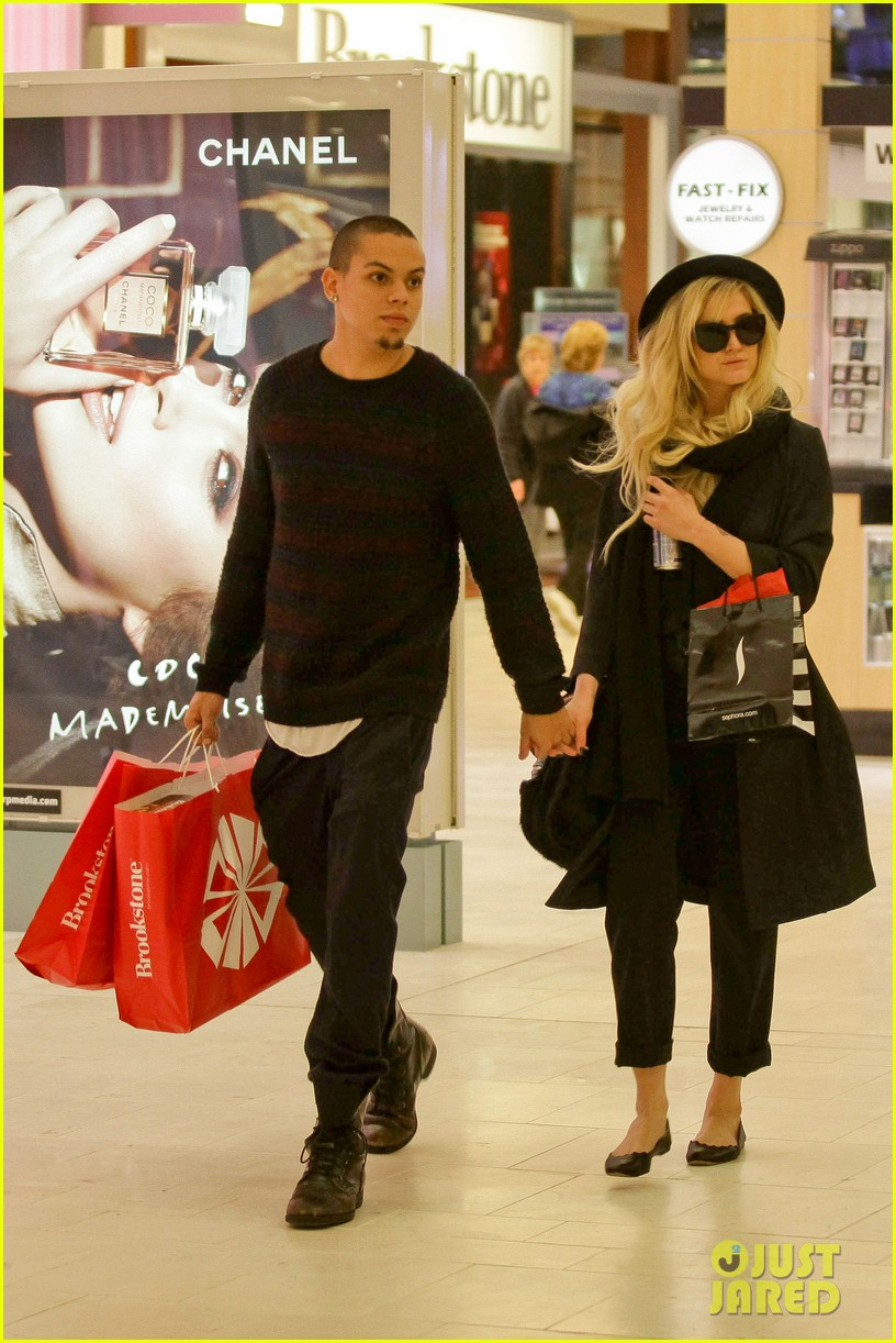 ashlee simpson is the one says boyfriend evan ross 12