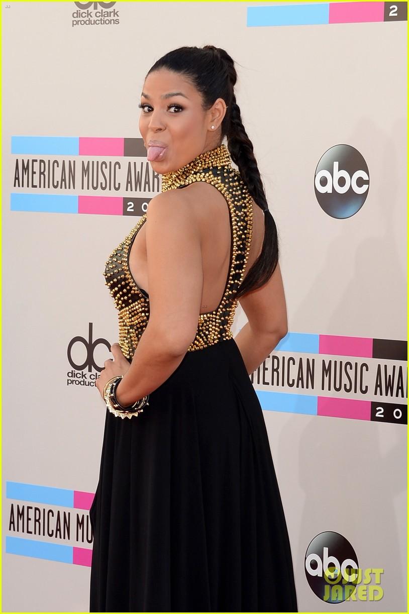 jordin sparks american music awards 2013 red carpet 09