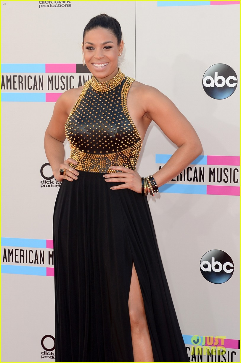 jordin sparks american music awards 2013 red carpet 10