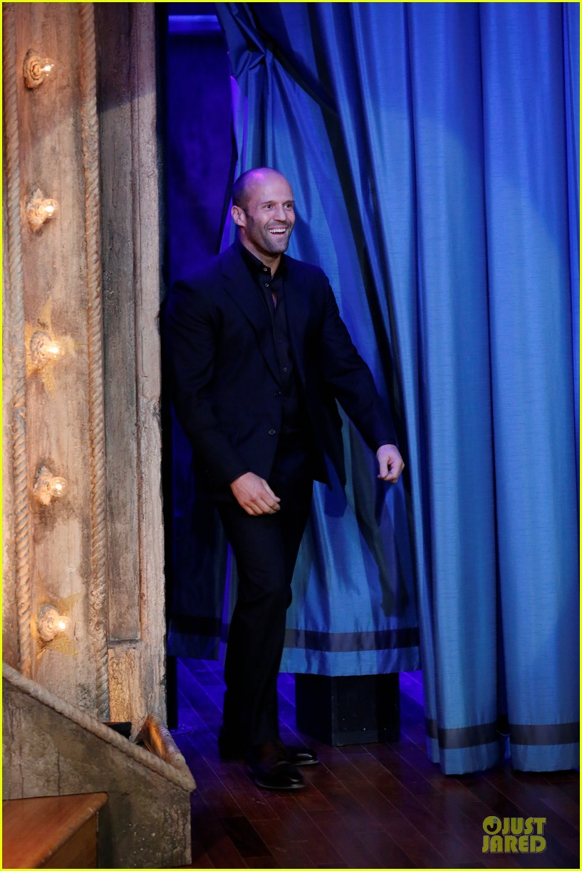 jason statham plays water wars on fallon 01