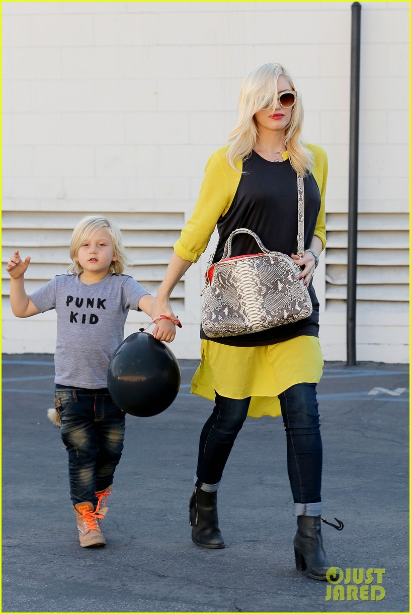 gwen stefani gavin rossdale keep busy over the weekend 032985734