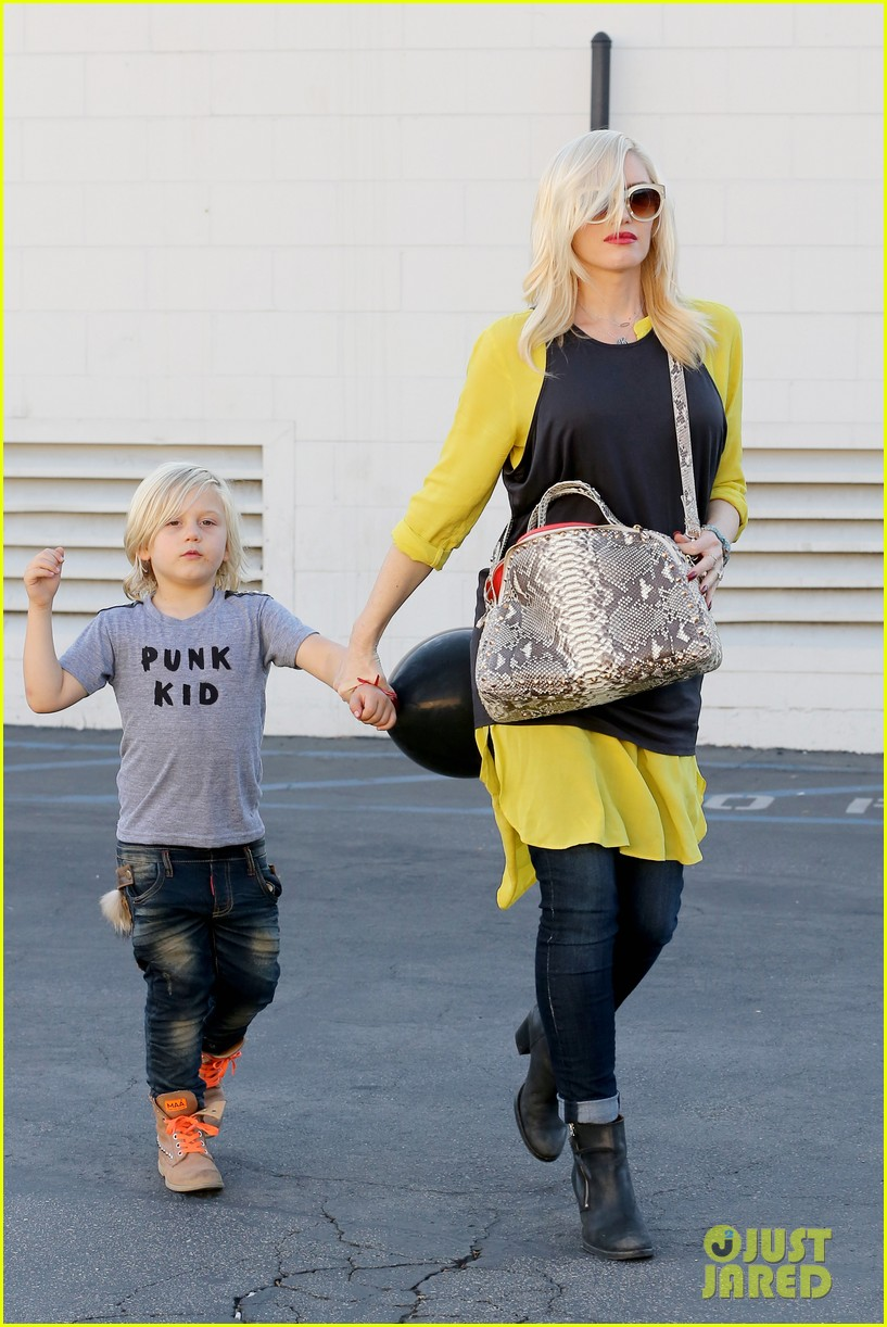 gwen stefani gavin rossdale keep busy over the weekend 172985748