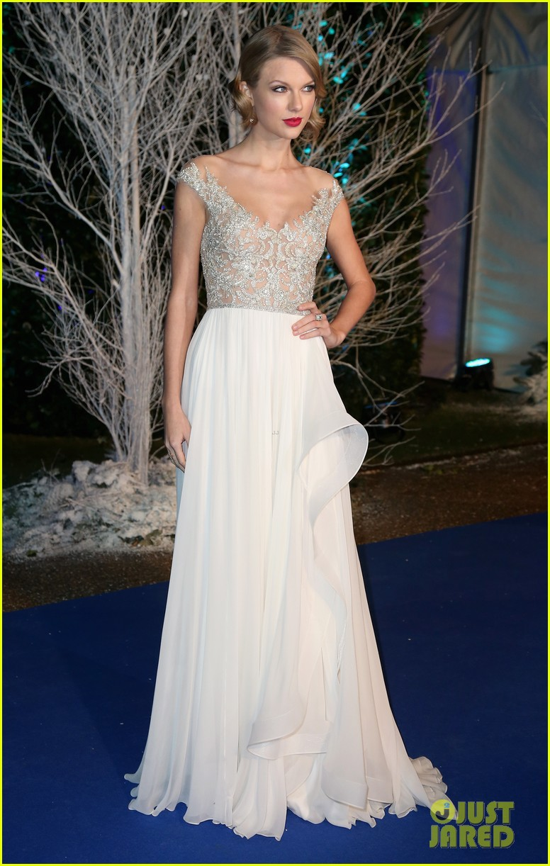 taylor swift michelle dockery winter whites gala 05