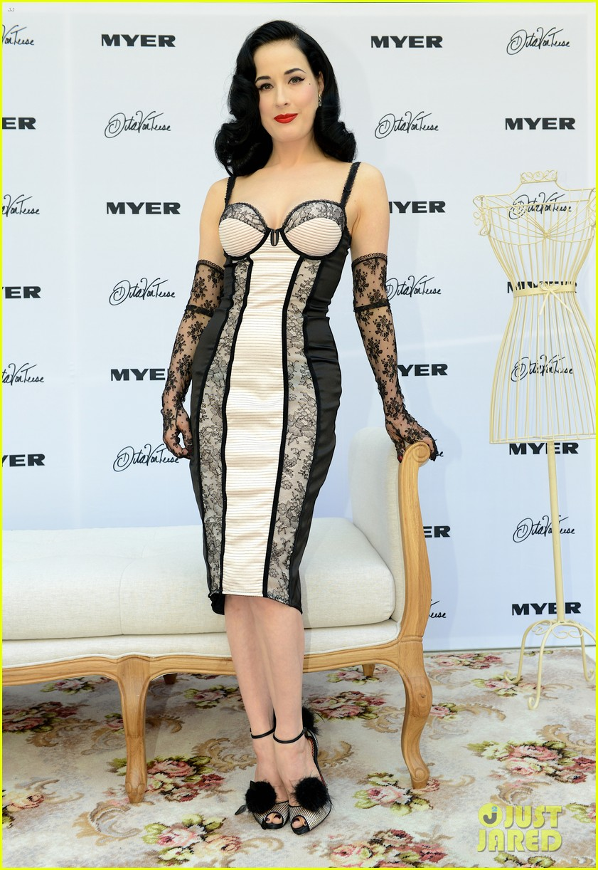 dita von teese debuts new lingerie collection in melbourne 14