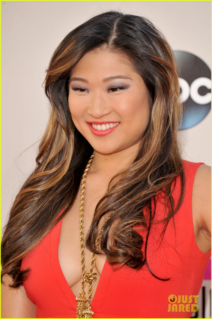 jenna ushkowitz amas 2013 red carpet 05