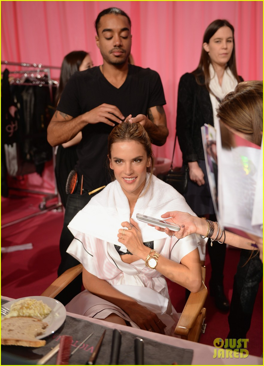 victorias secret angels prep for fashion show 2013 pics 112991834