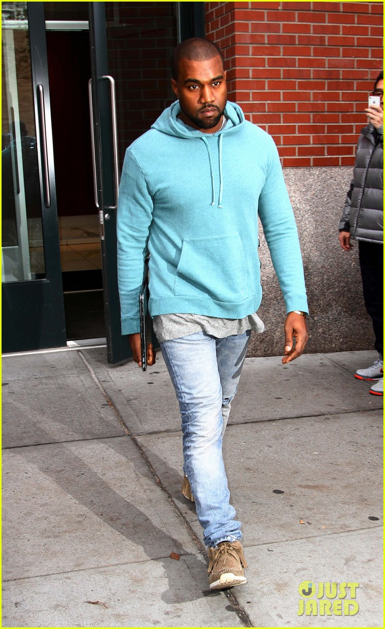 kanye west steps out after zappos responds to comments 022997491
