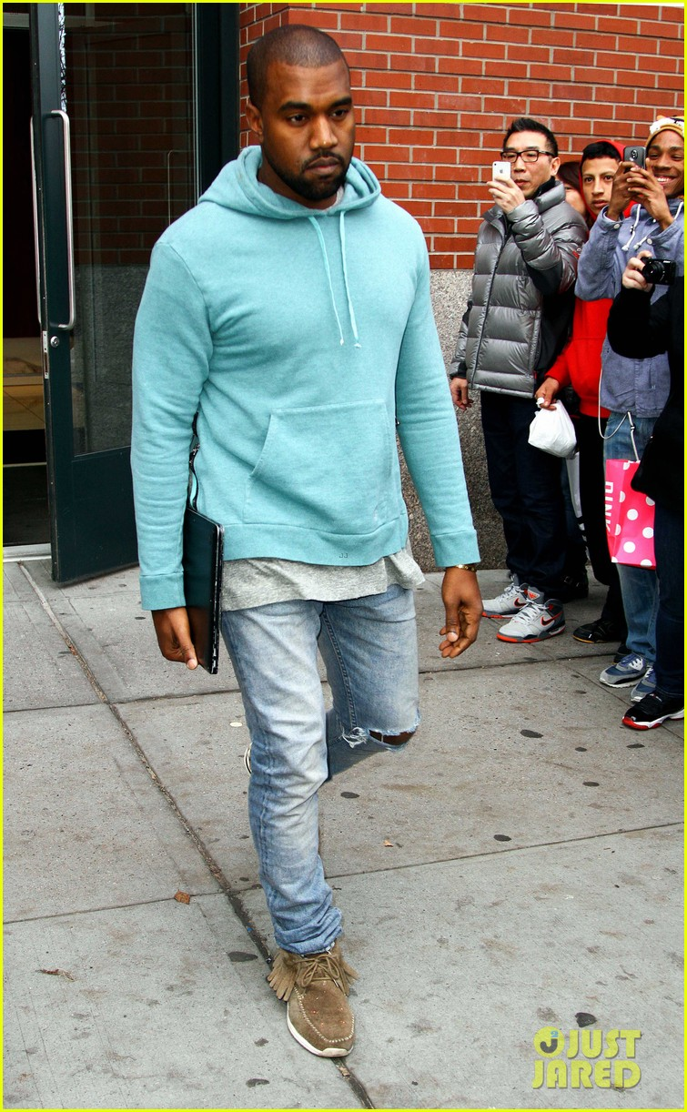 kanye west steps out after zappos responds to comments 13