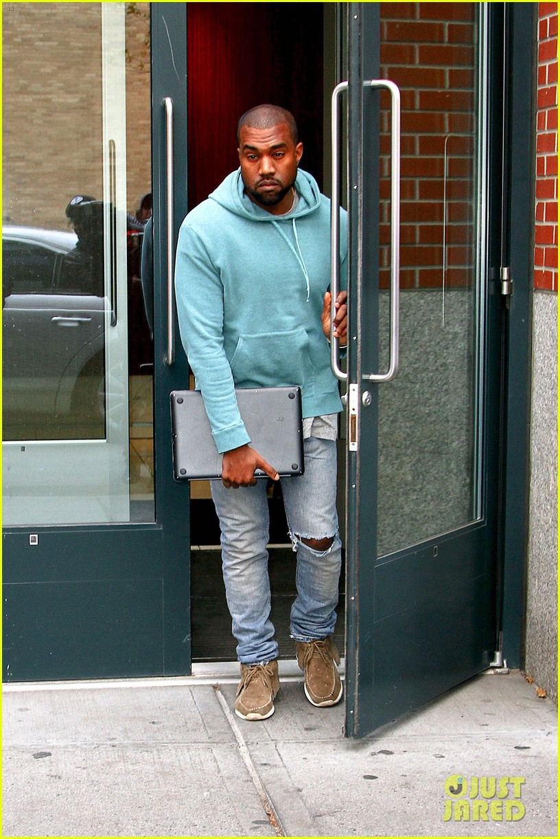 kanye west steps out after zappos responds to comments 202997509