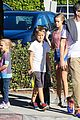 reese witherspoon jim toth grab pre thanksgiving lunch 06