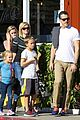 reese witherspoon jim toth grab pre thanksgiving lunch 09
