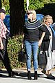 reese witherspoon jim toth grab pre thanksgiving lunch 24