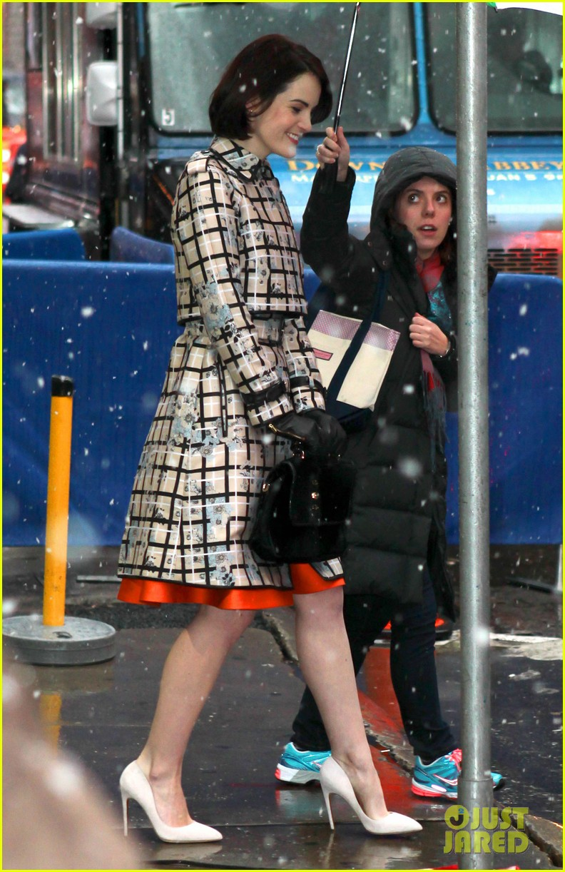 amy adams michelle dockery do promo work on gma 13
