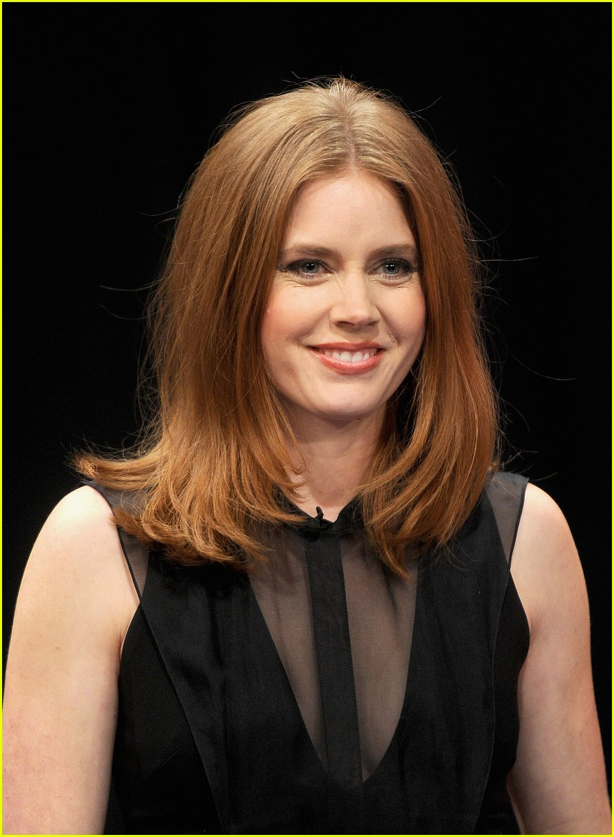 amy adams talks emotional kiss with jennifer lawrence 17