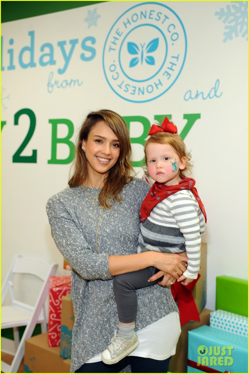 jessica alba gwen stefani baby2baby holiday party 12