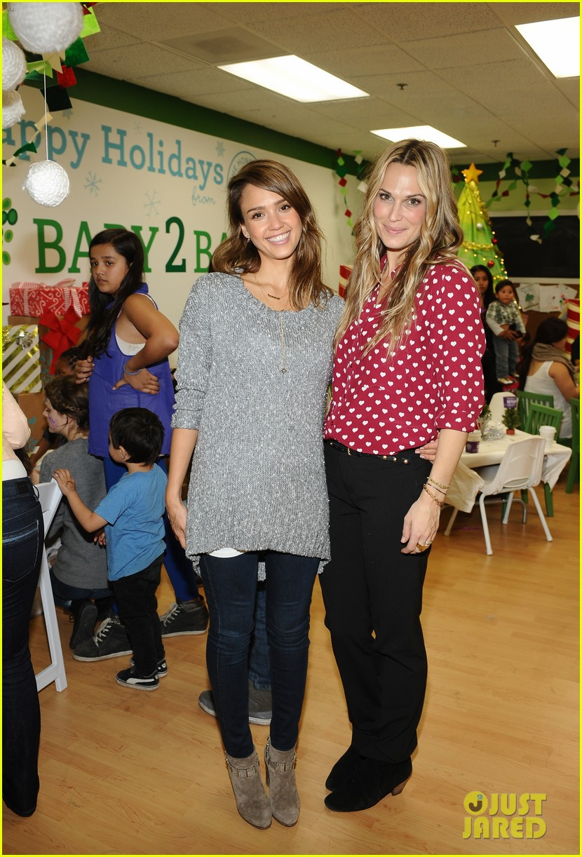 jessica alba gwen stefani baby2baby holiday party 173012312