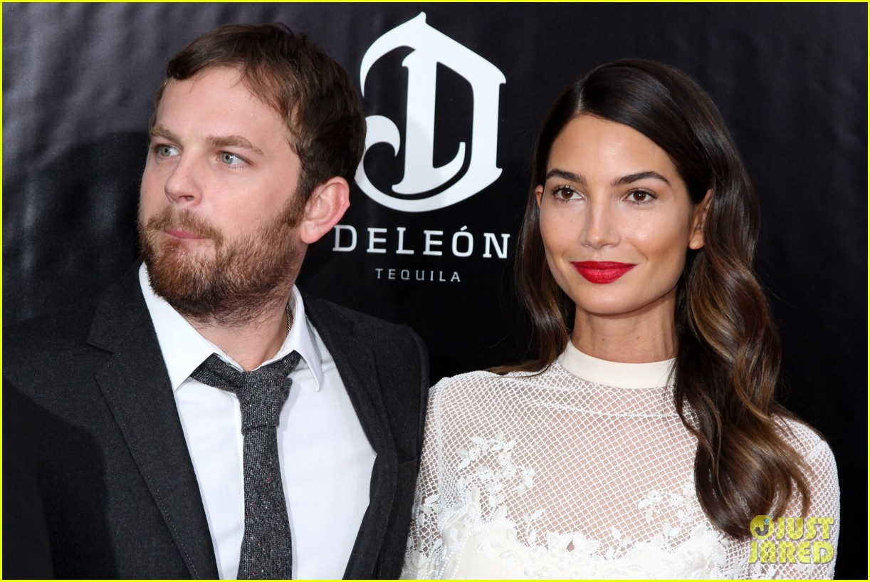 lily aldridge caleb followill august osage county premiere 143010942