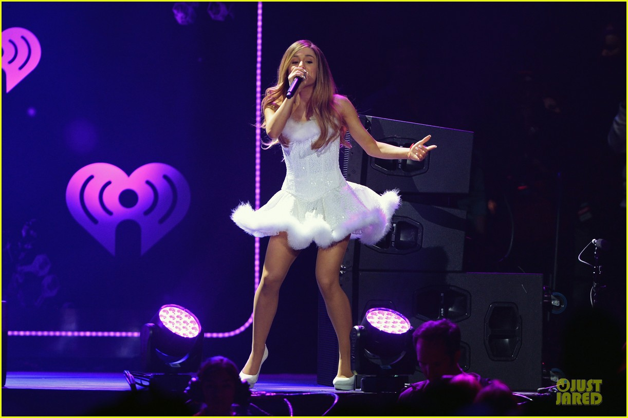 ariana grande enrique iglesias 1027 kiis fm jingle ball 06