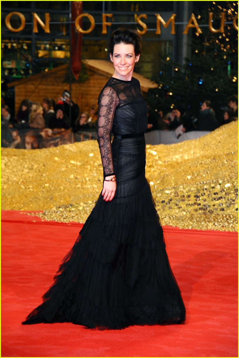 orlando bloom evangeline lilly hobbit berlin premiere 03