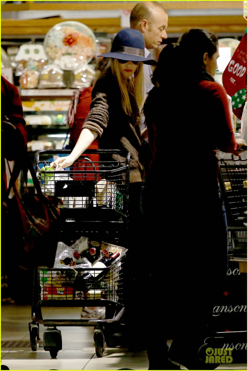 kate bosworth michael polish grocery run before holidays 243015888