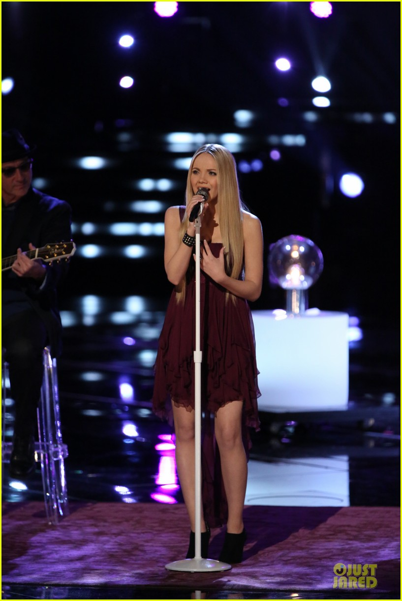 danielle bradbery never like this performance on the voice 013009546
