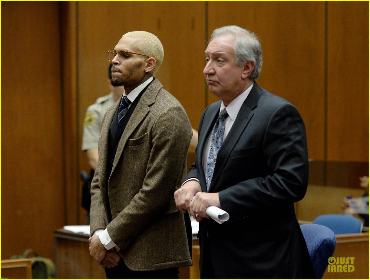 chris brown probation revoked over october arrest 013013259