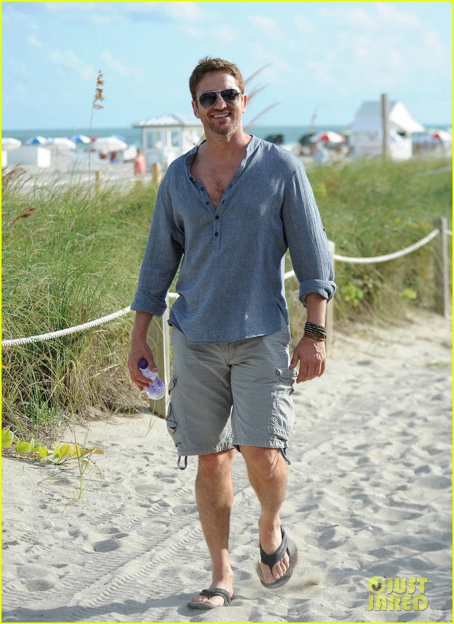 gerard butler enjoys beach time during art basel 05