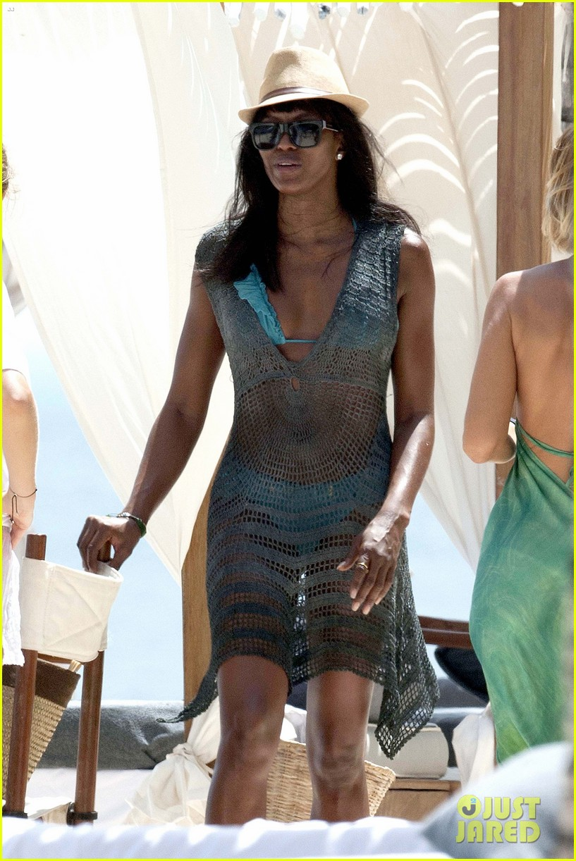 naomi campbell rocks a blue bikini at the beach in kenya 093019309