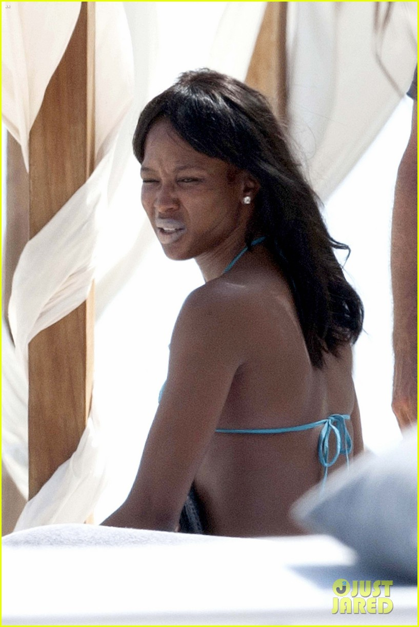 naomi campbell rocks a blue bikini at the beach in kenya 12