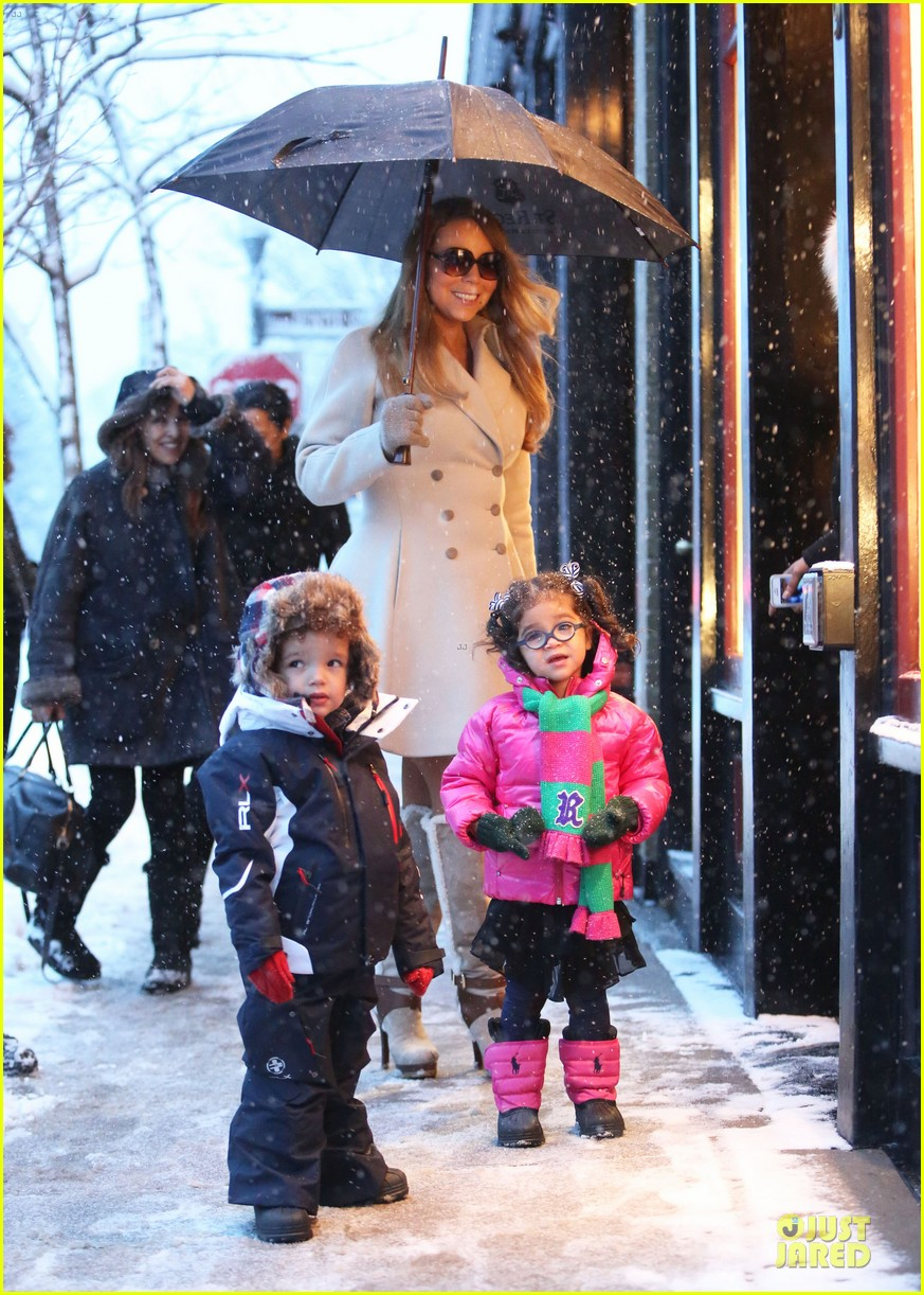 mariah carey snowy aspen shopping with the twins 053015614