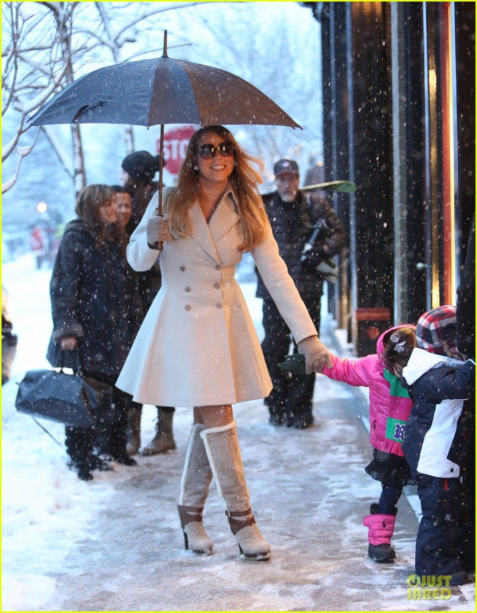 mariah carey snowy aspen shopping with the twins 07