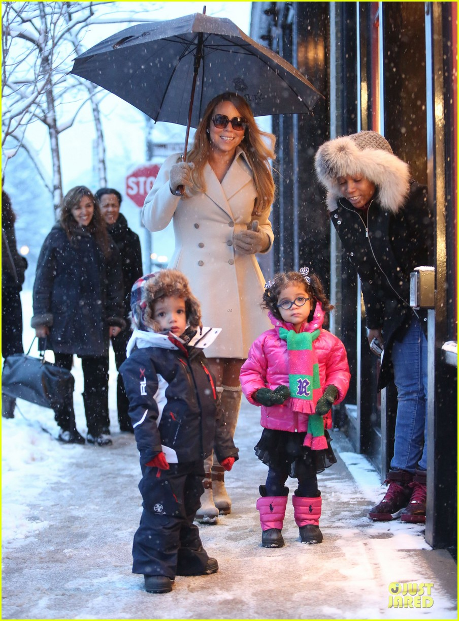 mariah carey snowy aspen shopping with the twins 083015617