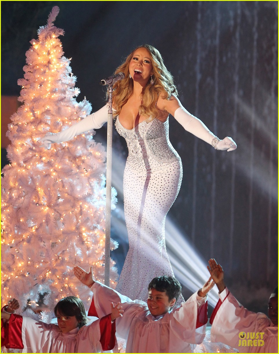 mariah carey rockfeller center christmas tree lighting 2013 performer 06