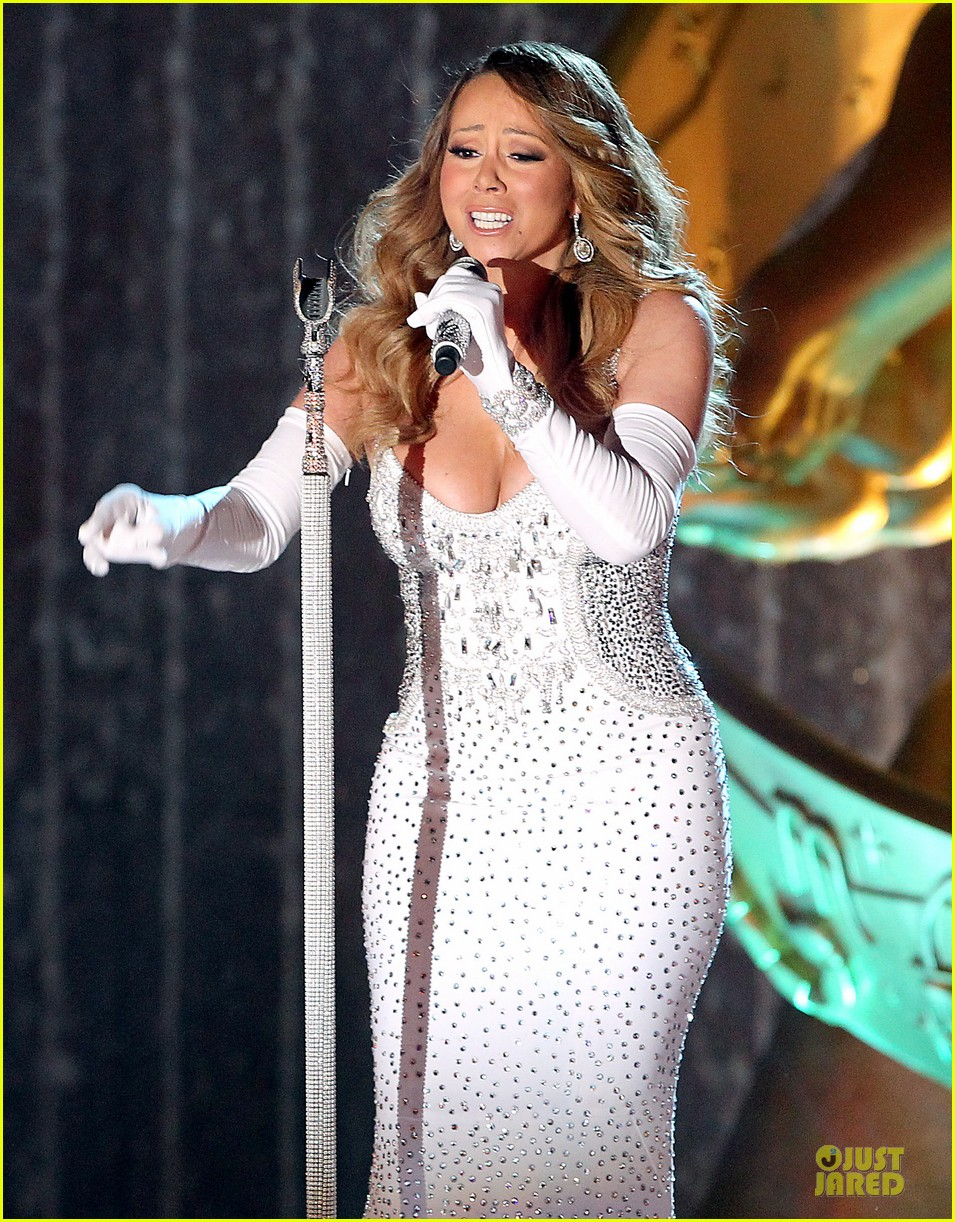 mariah carey rockfeller center christmas tree lighting 2013 performer 17