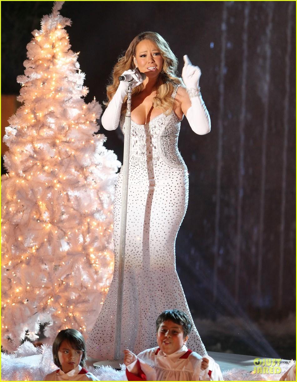 mariah carey rockfeller center christmas tree lighting 2013 performer 193004642